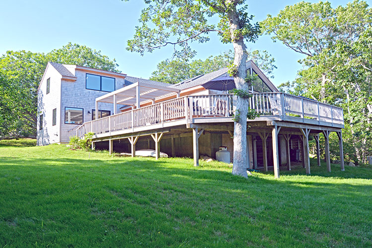 8 Rockrose Path, Chilmark